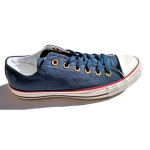 Size 9 Blue Converse Low Top Sneakers Chuck Taylor